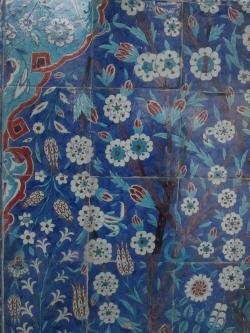 Rüstem Paşa Camii tile detail (3) 250x333