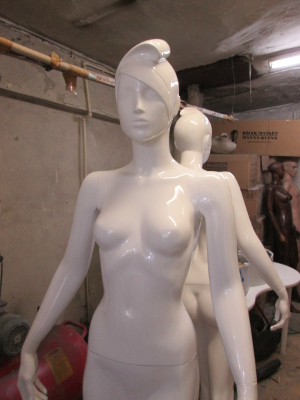 mannequin finishing school 1  300x400