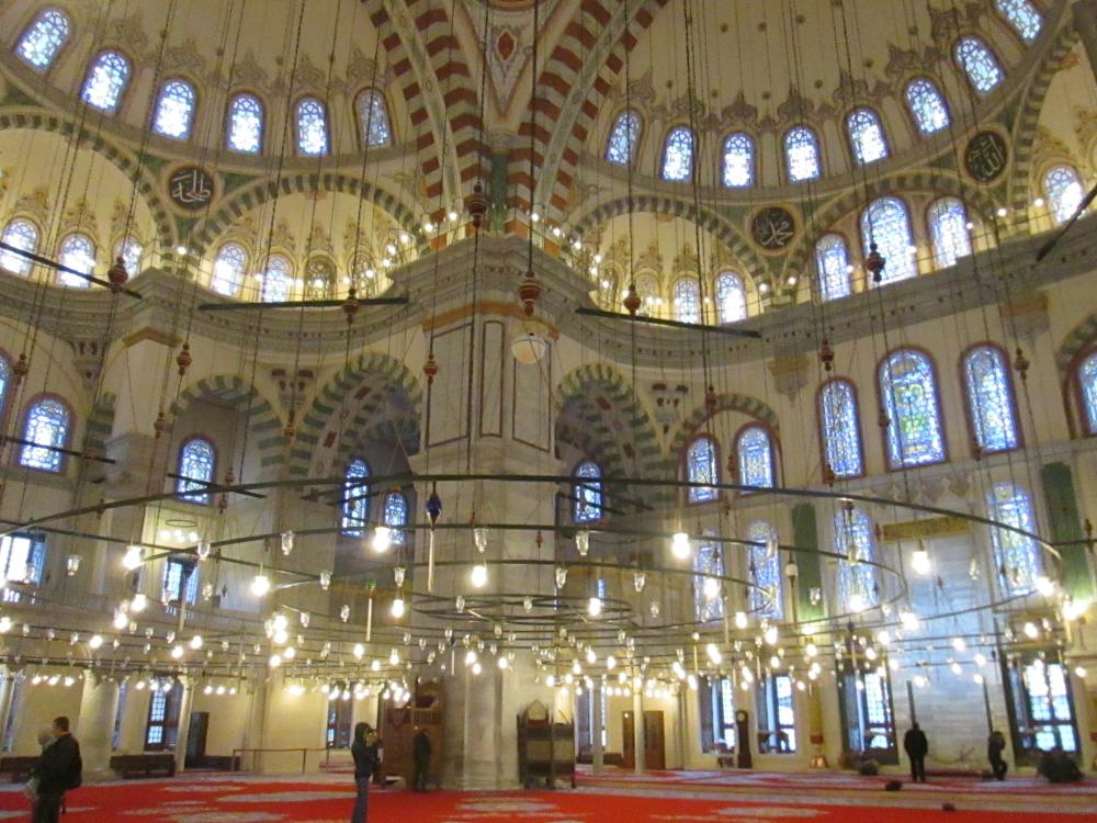 interior Fatih Camii 1000x750