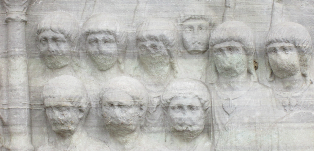 faces on base of Obelisk of Theodosius 1000x482